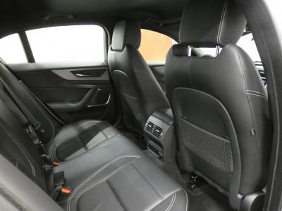 Jaguar XE D180 R-Dynamic S Auto - <small></small> 37.290 € <small>TTC</small> - #8