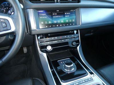 Jaguar XF II 2.0D 180 R-SPORT AUTO - <small></small> 37.900 € <small>TTC</small>