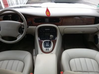 Jaguar XJ V8 SOVEREIGN A - <small></small> 29.990 € <small>TTC</small> - #13