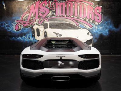 Lamborghini Aventador COUPE 6.5 V12 LP 700-4 - <small></small> 229.900 € <small>TTC</small>