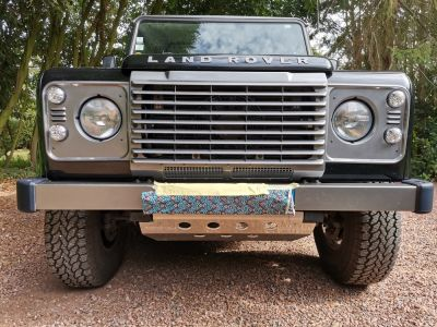 Land Rover Defender 90 SW 2.2 Td4 - <small></small> 36.900 € <small>TTC</small>