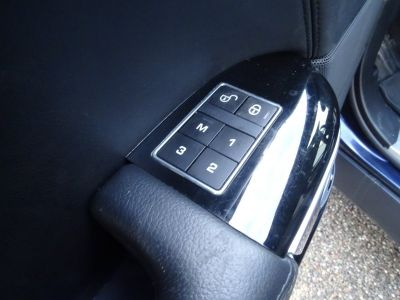 Land Rover Range Rover SDV6 258Ps BVA/Jantes 22  Meridian Bi Xénon  - <small></small> 41.890 € <small>TTC</small> - #17