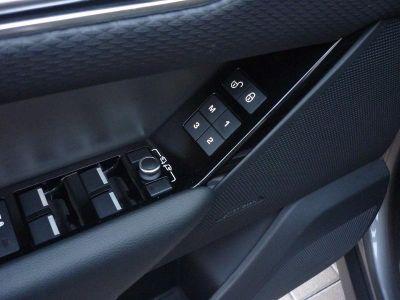 Land Rover Range Rover Velar 3.0D V6 300ch R-Dynamic S AWD BVA - <small></small> 64.900 € <small>TTC</small>