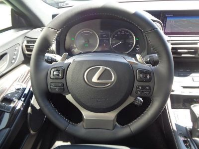 Lexus RC 300h Executive Euro6d-T - <small></small> 51.900 € <small>TTC</small>