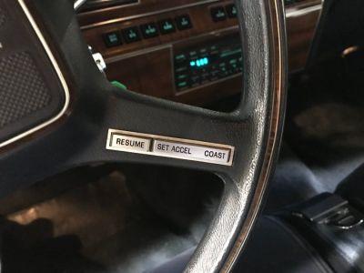 Lincoln Town Car 4.6 V8 SEDAN - <small></small> 9.900 € <small>TTC</small> - #23