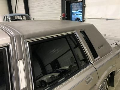 Lincoln Town Car 4.6 V8 SEDAN - <small></small> 9.900 € <small>TTC</small> - #24
