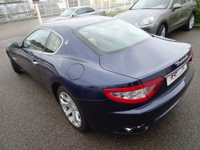 Maserati GranTurismo 4.2LBVA ZF 405PS / GPS BIXENON SKYHOOK - <small></small> 42.890 € <small>TTC</small>