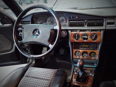 Mercedes 190 2.5 16 EVO 1 - <small></small> 89.900 € <small>TTC</small>