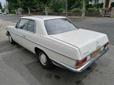 Mercedes 250 CE - <small></small> 12.000 € <small>TTC</small>