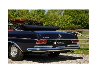 Mercedes 300 SE Cabriolet - <small></small> 155.000 € <small>TTC</small>