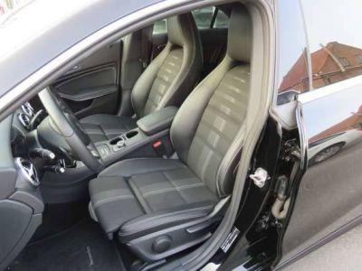 Mercedes CLA 200 Berline / Coupe - Navi - Half Leder - Alu 18 - <small></small> 25.990 € <small>TTC</small> - #11
