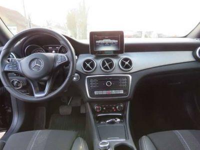 Mercedes CLA 200 Berline / Coupe - Navi - Half Leder - Alu 18 - <small></small> 25.990 € <small>TTC</small> - #13