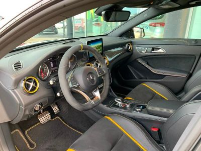 Mercedes CLA Shooting Brake 45 AMG 381ch Yellow Night Edition 4Matic Speedshift DCT - <small></small> 52.900 € <small>TTC</small>