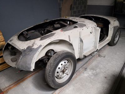 MG MGA complète à terminer - <small></small> 15.000 € <small>TTC</small>