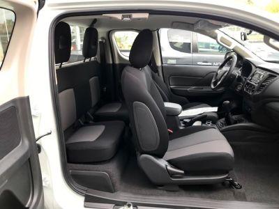 Mitsubishi L200 CLUB CAB 2.2 DI-D 150 4WD INVITE BENNE HYDRAULIQUE 2P - <small></small> 33.490 € <small>TTC</small> - #13