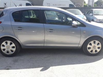 Opel Corsa IV IV 1.2 TWINSPORT 85 111 5P - <small></small> 5.500 € <small>TTC</small>