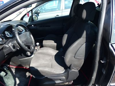 Peugeot 207 1.6 HDI110 GRIFFE 3P - <small></small> 2.490 € <small>TTC</small>