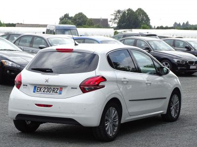 Peugeot 208 1.2i Pure Tech 12V S&S - 110 - BV EAT6 BERLINE Allure PHASE 2 - <small></small> 13.580 € <small>TTC</small> - #2