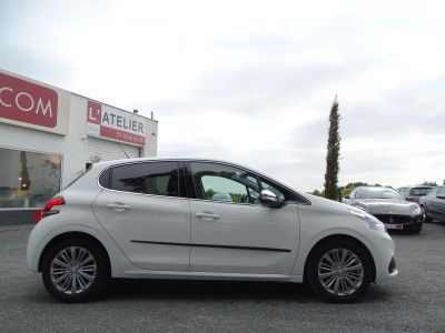 Peugeot 208 1.2i Pure Tech 12V S&S - 110 - BV EAT6 BERLINE Allure PHASE 2 - <small></small> 13.580 € <small>TTC</small> - #29