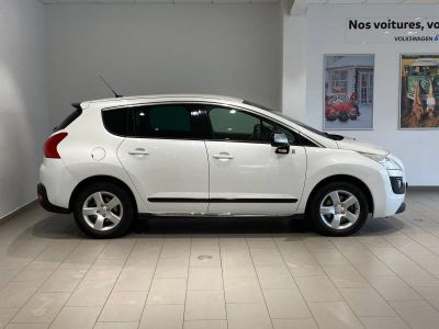 Peugeot 3008 HYbrid4 2.0 HDi 163ch FAP BMP6 + Electric 37ch 91g - <small></small> 11.711 € <small>TTC</small>