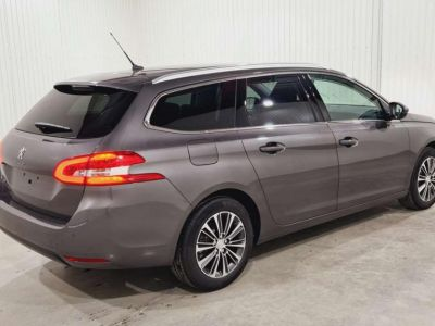 Peugeot 308 SW BlueHDi 130 S&S BVM6 Allure Pack + FULL LED - <small></small> 21.980 € <small>TTC</small> - #15