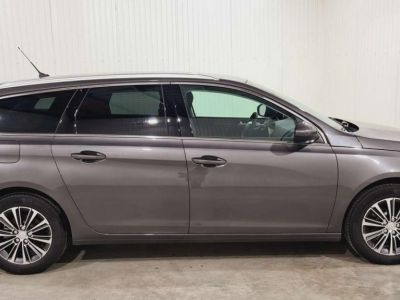 Peugeot 308 SW BlueHDi 130 S&S BVM6 Allure Pack + FULL LED - <small></small> 21.980 € <small>TTC</small> - #16