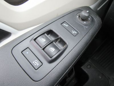 Peugeot Boxer 330 L1H1 2.0 BLUEHDI 110 PREMIUM - <small></small> 13.990 € <small>TTC</small> - #17