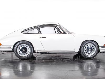 Porsche 911 1966 2.0 L - S.W.B. SERIE 0 - <small></small> 265.000 € <small>TTC</small> - #3