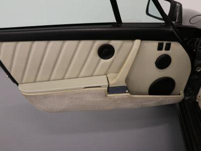 Porsche 911 Carrera Cabriolet 3.2 G50 Turbo-look usine - <small></small> 135.900 € <small>TTC</small> - #21