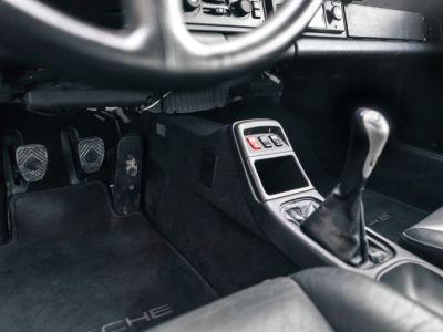 Porsche 993 CARRERA RS TOURING - <small></small> 240.000 € <small>TTC</small>