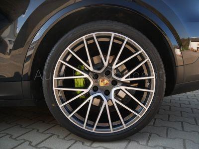 Porsche Cayenne E-Hybrid Coupé, Suspension pneumatique, Roues 22, InnoDrive, Sièges adaptatifs, BOSE - <small></small> 106.900 € <small>TTC</small>