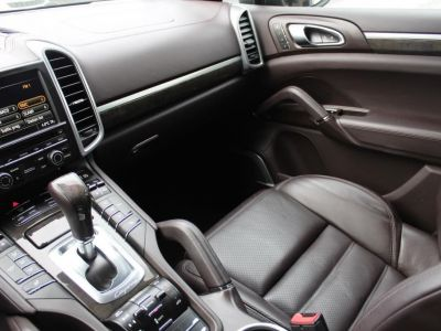 Porsche Cayenne II 4.8 V8 420 GTS TIPTRONIC - <small></small> 48.900 € <small>TTC</small> - #12
