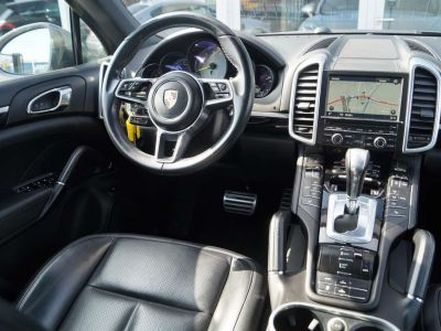 Porsche Cayenne S E-Hybrid PANO PASM NAVI XENON SPORTDESIGN LEDER - <small></small> 43.850 € <small>TTC</small> - #15