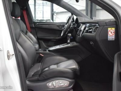 Porsche Macan Turbo * Panorama- / SportDesign- / Carbon - <small></small> 48.899 € <small>TTC</small>