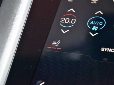 Porsche Taycan Perform Bat 93kWh Airsus Pano BOSE 22kWCharg 14Way - <small></small> 107.900 € <small>TTC</small> - #17