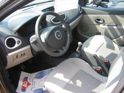 Renault CLIO nouveau modèle expression 1.5 dci - <small></small> 13.480 € <small>TTC</small>