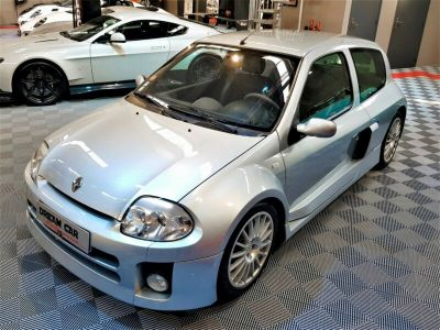 Renault Clio RS SPORT V6 24S 230 RS - <small></small> 51.990 € <small>TTC</small>