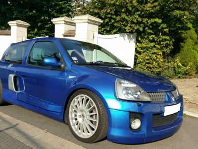 Renault CLIO V6 24S 255 RS - <small></small> 57.900 € <small>TTC</small>