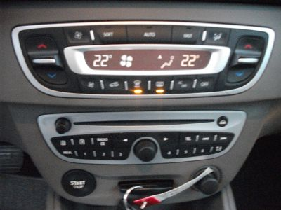 Renault Megane 1.5 DCI 105CH CARMINAT TOMTOM ECO² - <small></small> 6.490 € <small>TTC</small>