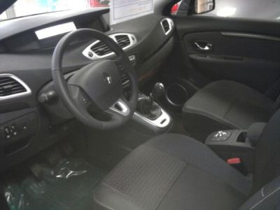 Renault Scenic 3 dynamique 1.5 dci - <small></small> 21.980 € <small>TTC</small>