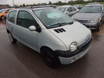 Renault TWINGO 1.2 16V 75CH EXPRESSION - <small></small> 1.900 € <small>TTC</small>