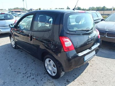 Renault Twingo 1.5 DCI 65CH AUTHENTIQUE - <small></small> 3.800 € <small>TTC</small>
