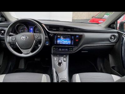 Toyota AURIS HSD 136h Design - <small></small> 17.990 € <small>TTC</small>