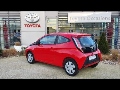 Toyota AYGO 1.0 VVT-i 69ch x-red 2018 3p - <small></small> 9.490 € <small>TTC</small>