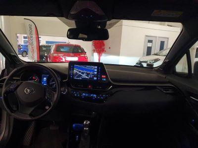Toyota C-HR 122h Graphic 2WD E-CVT RC18 - <small></small> 22.990 € <small>TTC</small> - #9