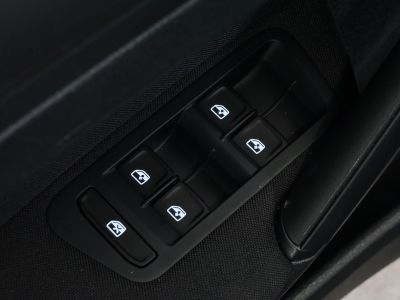 Volkswagen Golf VII 1.6 TDI 110 BMT CONFORT BUSINESS 5P - <small></small> 11.990 € <small>TTC</small> - #18