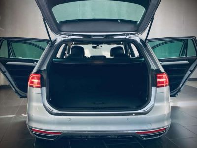 Volkswagen Passat Variant R Line - GPS Cockpit - Boite Auto - Toit Ouvrant - <small></small> 25.990 € <small>TTC</small> - #7