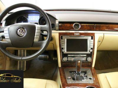 Volkswagen Phaeton Volkswagen Phaeton 3.0 V6 TDI 4motion 239 CV - <small></small> 33.990 € <small>TTC</small>