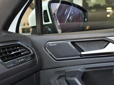 Volkswagen Tiguan II R-Line 2.0 Bi TDI 240 4Motion DSG 7 GPS Pro Virtual ACC DCC Hayon Dynaudio Attelage Front Lane JA 20 - <small></small> 34.990 € <small>TTC</small> - #18