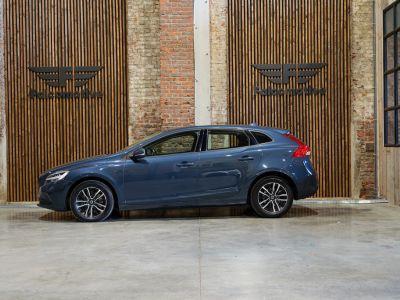 Volvo V40 1.5 T2 Black Edition AUTOMAAT - autom - Navi - Falcomotivegar!! - <small></small> 17.666 € <small>TTC</small> - #3